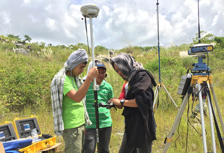 GNSS RTK Delivery & Training to an Eagle Cement Survey Works Awardee